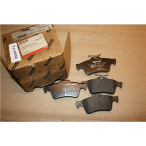 1360304  Ford Transit Connect brake pads