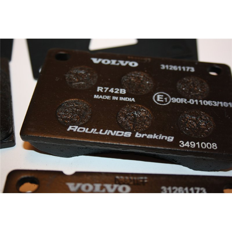 Volvo S60 Brake Pads: 31261180 Volvo 140 160 240 260 Brake Pads Front